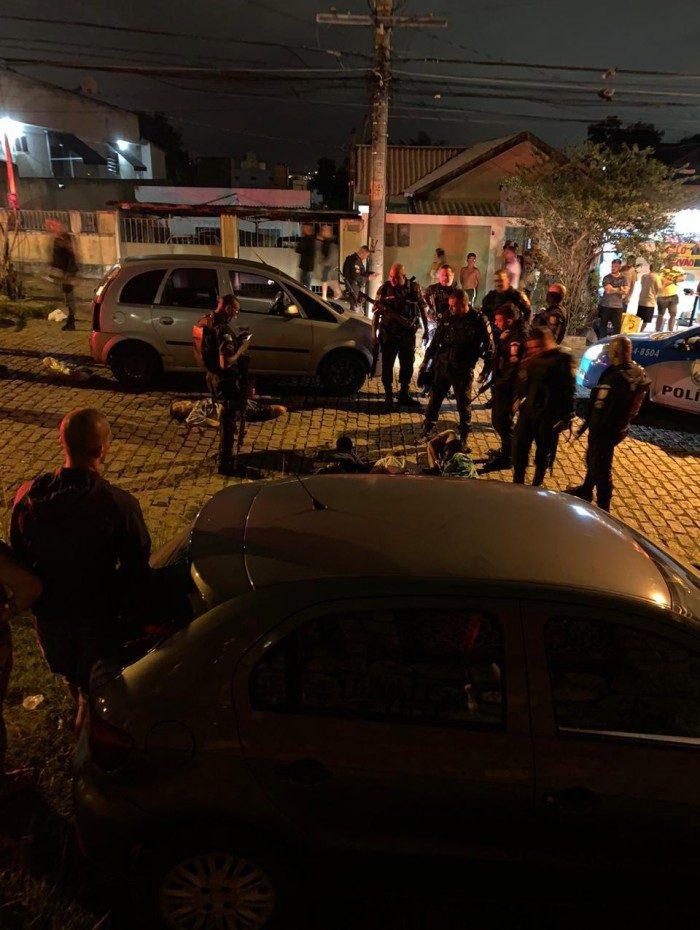 PMs realizavam patrulhamento de rotina quando suspeitaram de ocupantes de veículo