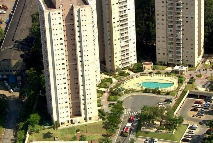O acidente ocorreu na Avenida São Paulo Paraná, no bairro Jardim Elvira, em Osasco (SP)