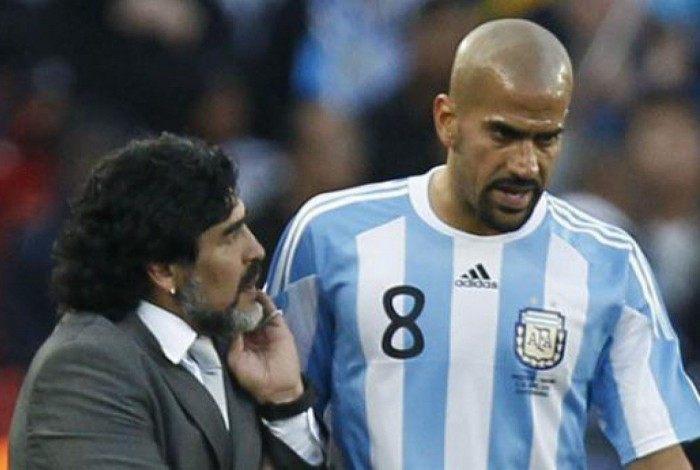 Maradona e Verón se desentenderam na Copa de 2010