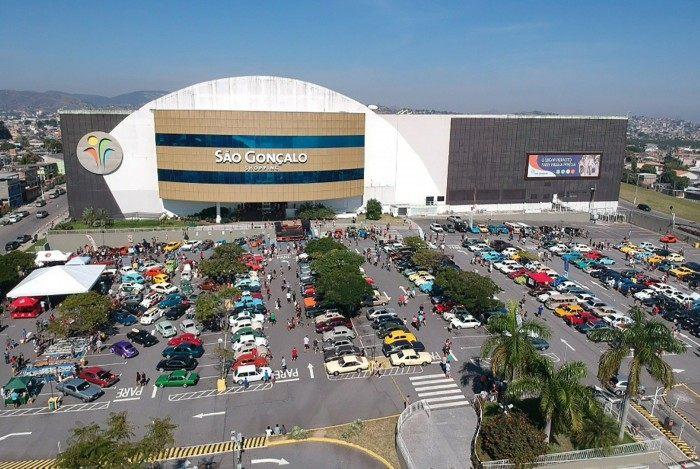O empreendimento fica na Av. São Gonçalo nº 100, no bairro Boa Vista (Rodovia Niterói-Manilha, km 8,5), e funciona de segunda a sábado, das 10h às 22h, e domingo das 13h às 21h