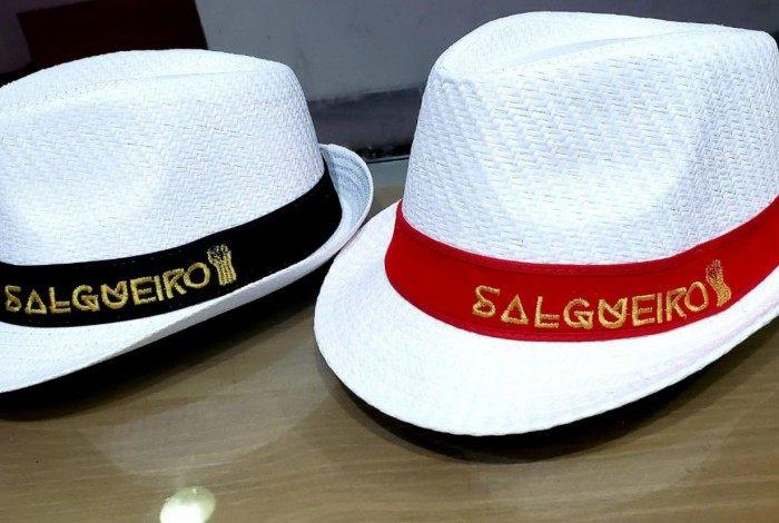 Loja do Salgueiro esgota chapéu Panamá após declaração polêmica de Crivella