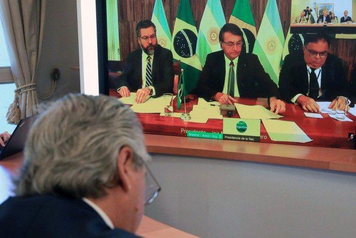 Bolsonaro e Fernández realizaram, nesta segunda-feira, a primeira reunião bilateral
