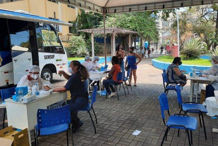 Instalada em local aberto e sem aglomeração, unidade de atendimento na Praça Zé Garoto é responsável, desde sexta-feira (27), pela realização de testes rápidos