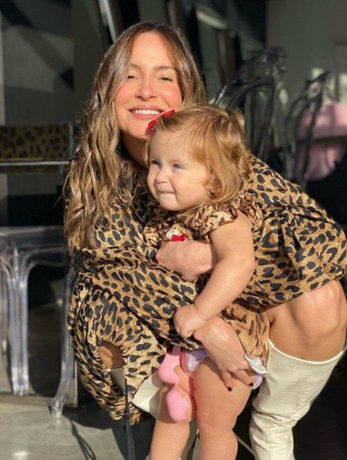 Claudia Leitte e a filha