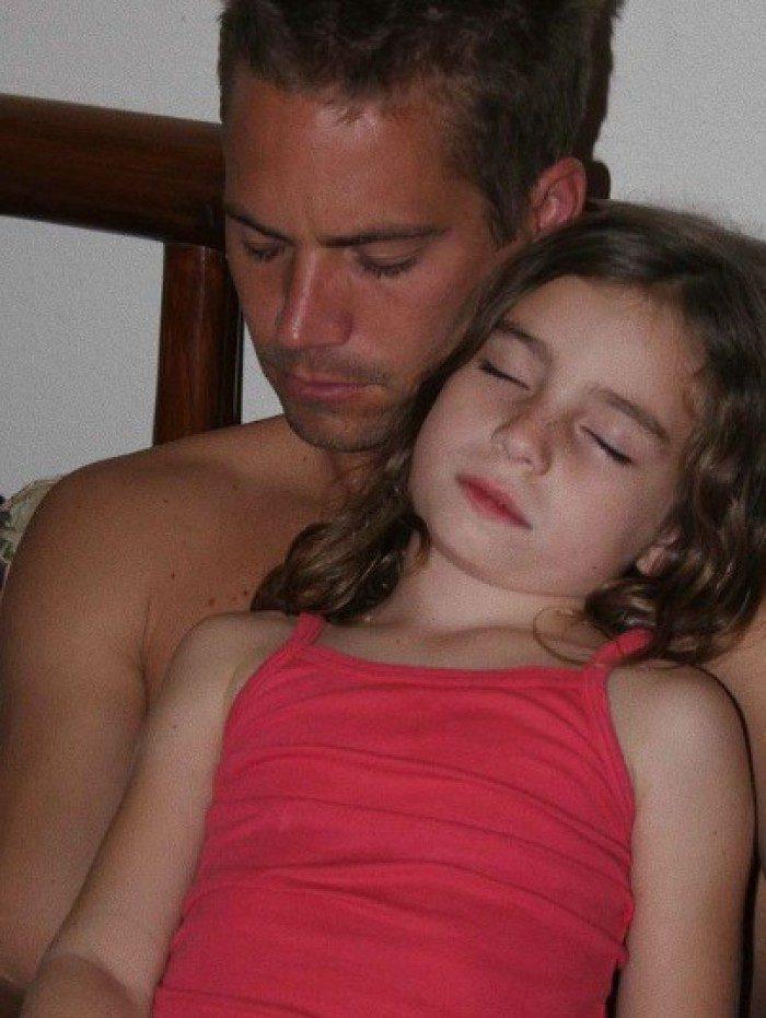 Filha de Paul Walker presta homenagem nos sete anos da morte do pai