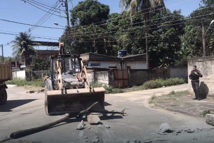 PM impede invasão de comunidade em Nova Iguaçu