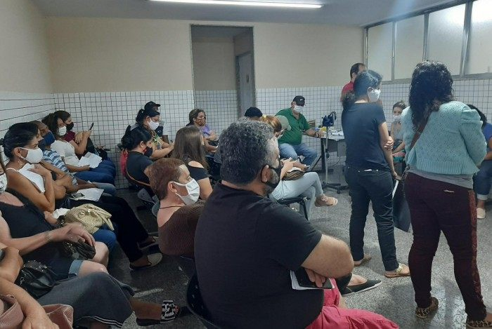 Sala de espera para fazer o teste de Covid-19