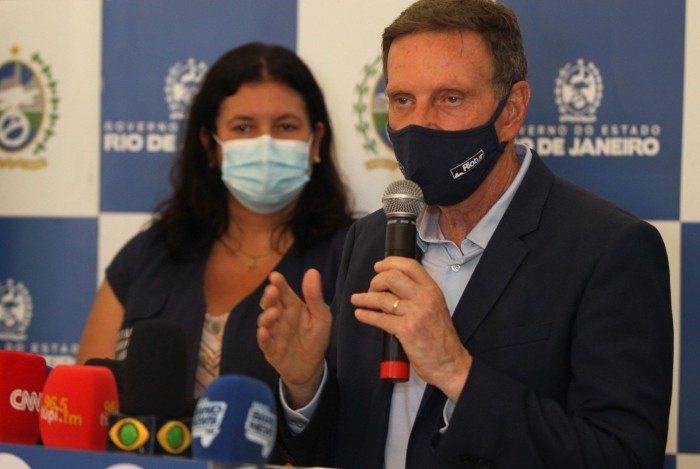 Prefeito Marcelo Crivella em coletiva nesta sexta-feira