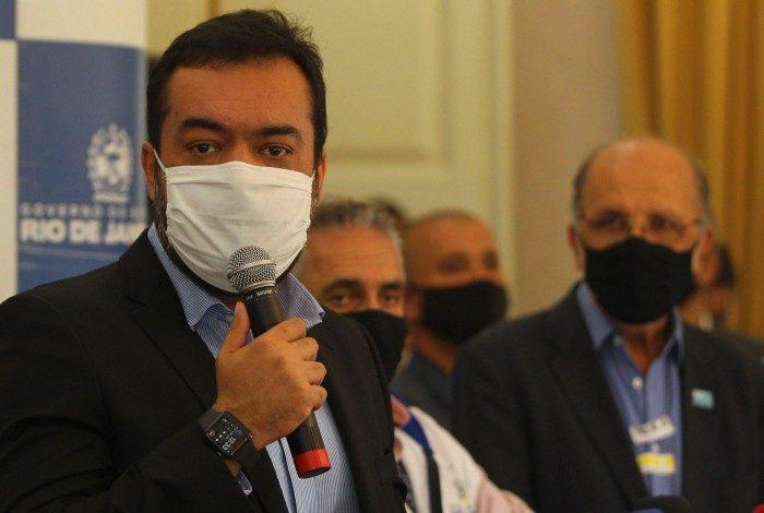 Governador em exercício Cláudio Castro em coletiva nesta sexta-feira