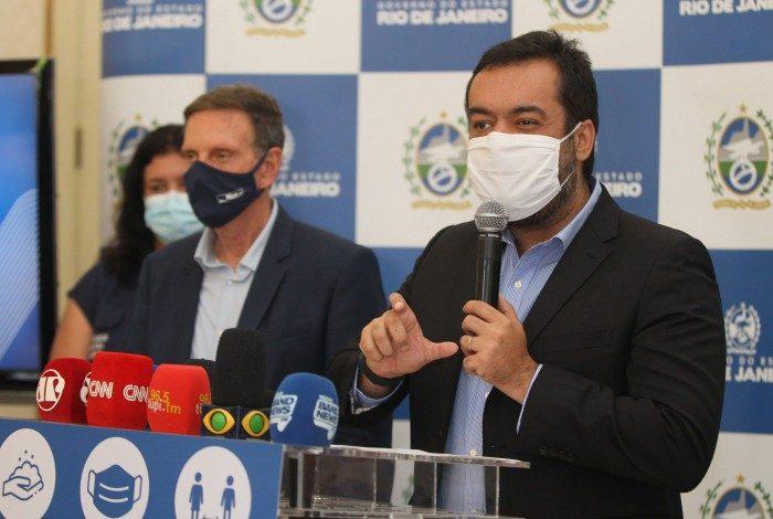 Prefeito Marcelo Crivella e o Governador em exercício Cláudio Castro em coletiva nesta sexta-feira