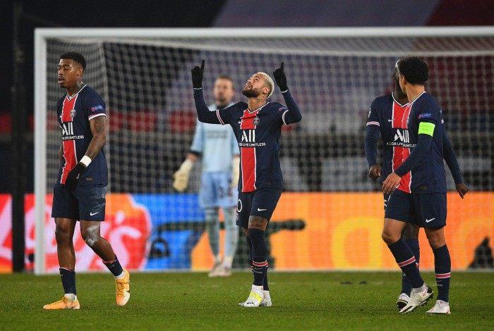 Após um mês afastado dos gramados, Neymar reforça o PSG na final da Supercopa da França