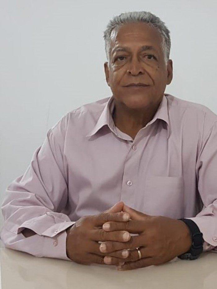 Ronaldo Ramos é palestrante na área de prevenção de acidentes de trânsito; cursa Teologia na escola ETAC e possui curso de capacitação de instrutor de trânsito – FESP/RJ – 1999.