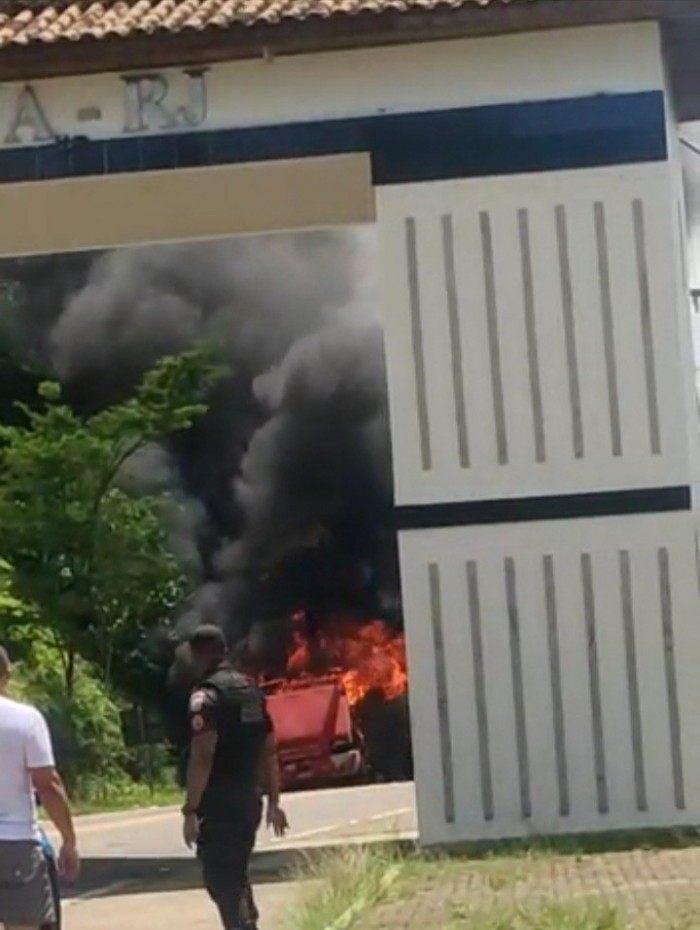 Veículo incendiado seguia sentido à BR-356