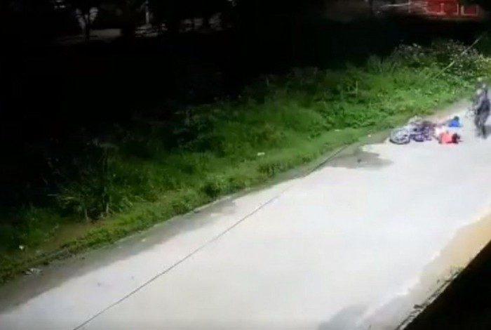 Câmeras de segurança mostraram abordagem violenta de PMs, em Belford Roxo, na Baixada Fluminense
