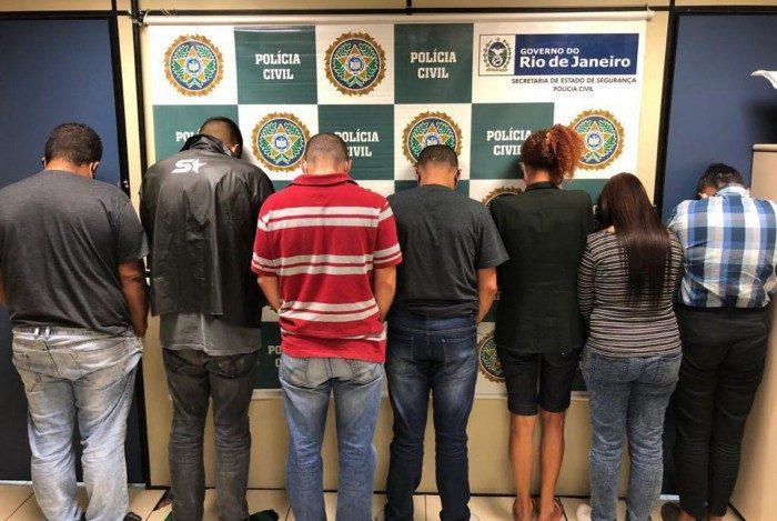 Policiais da Delegacia do Aeroporto realizam prisão de suspeitos