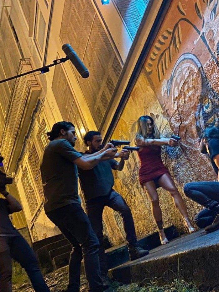 Fiuk, Hugo Bonemer e Cleo rodam cenas de filme em Santa Teresa, no Rio