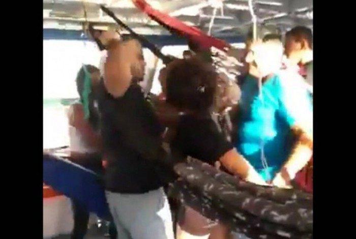 Policial civil flagrado agredindo a mulher foi afastado da corporação