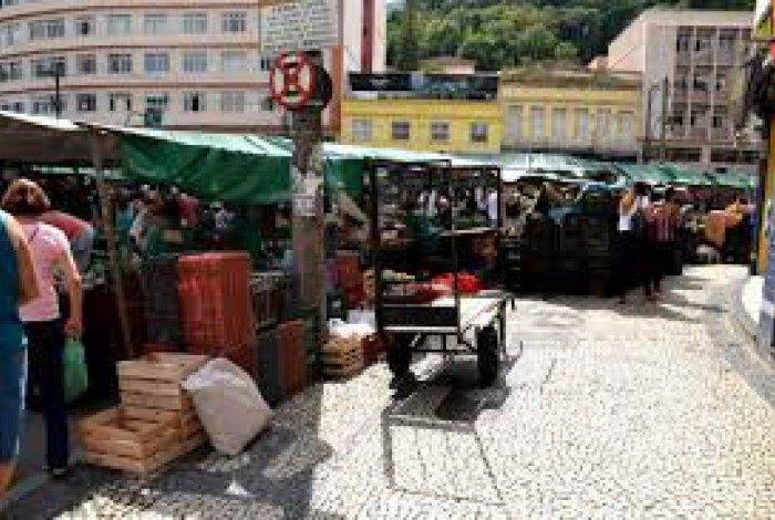 Feira livre na rua Souza Franco terá horário especial neste fim de ano a fim de garantir produtos para as festas natalinas