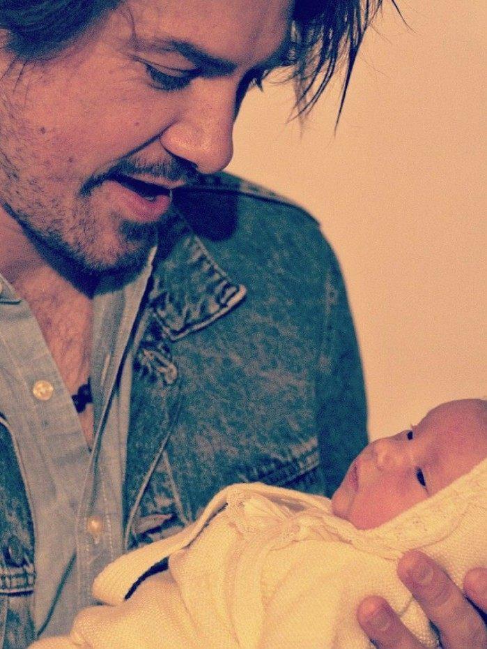 Taylor Hanson e sua filha caçula, Maybellene
