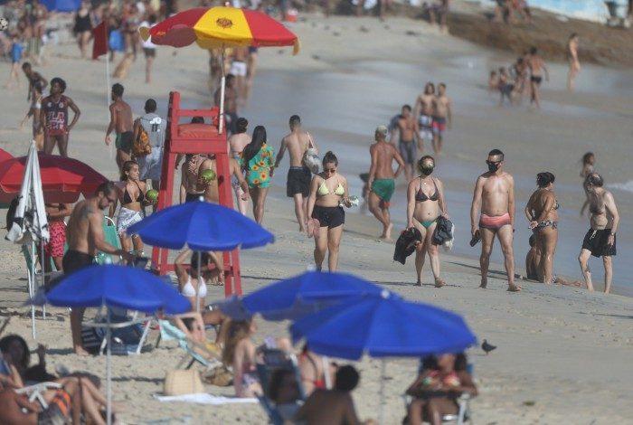 Praia da Zona Sul em meio à pandemia do coronavírus
