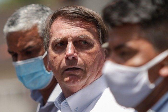 """""""Já vincularam a mim porque eu apoiei o Crivella. Sim, apoiei"""", afirmou Bolsonaro"""