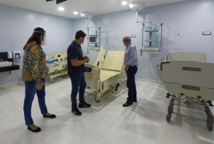 Em visita ao Hospital Nossa Senhora de Aparecida, o prefeito Bernardo Rossi anunciou abertura de mais leitos para doentes de COVID-19.