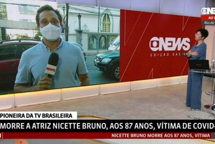 Repórter da GloboNews se emociona ao lembrar perda da mãe por covid-19 ao noticiar morte da atriz Nicette Bruno