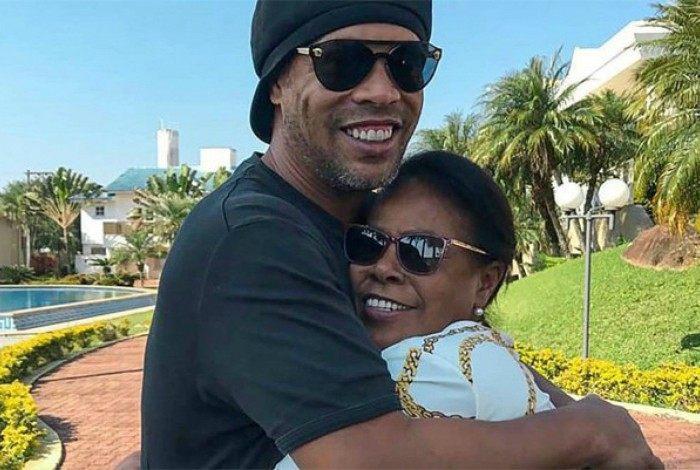 Ronaldinho Gaúcho e a mãe, Dona Miguelina