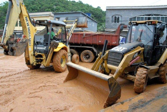 Prefeitura atua no município de Magé após fortes chuvas
