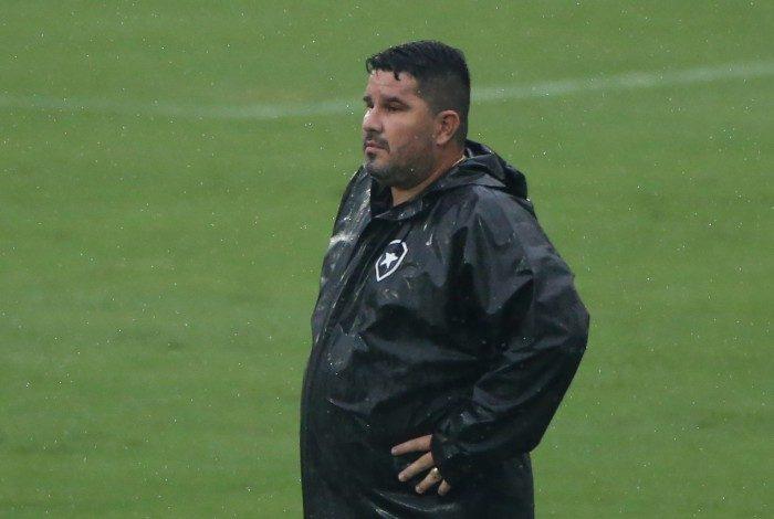 Botafogo X Corinthians pelo Campeonato Brasileiro, rodada 27.