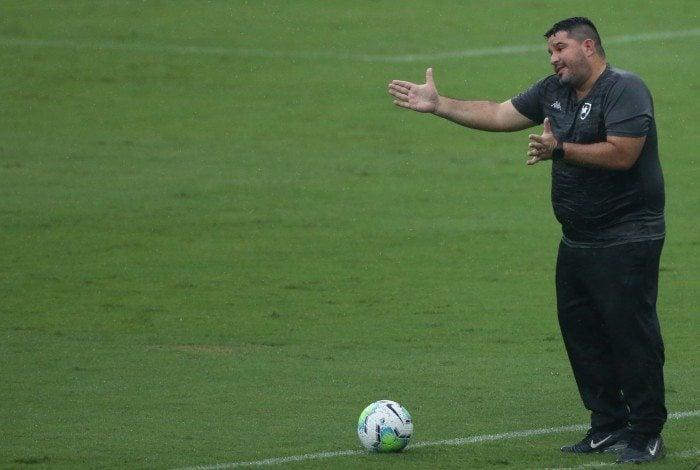 Botafogo X Corinthians pelo Campeonato Brasileiro, rodada 27. Na foto o técnico Eduardo Barroca