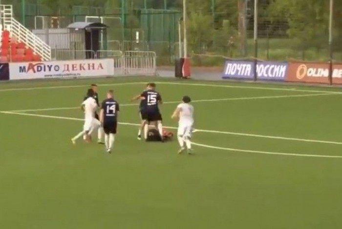 Roman Shirokov terá de pagar 100 horas de serviço comunitário por agressão a um árbitro