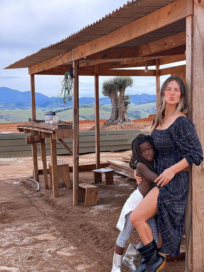 Giovanna Ewbank e a filha Títi