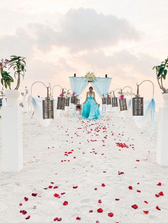 Camila Monteiro mostra detalhes do casamento nas Maldivas