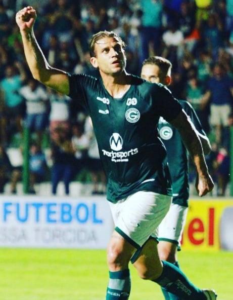 Rafael Moura fica no Goiás até o fim do Brasileirão