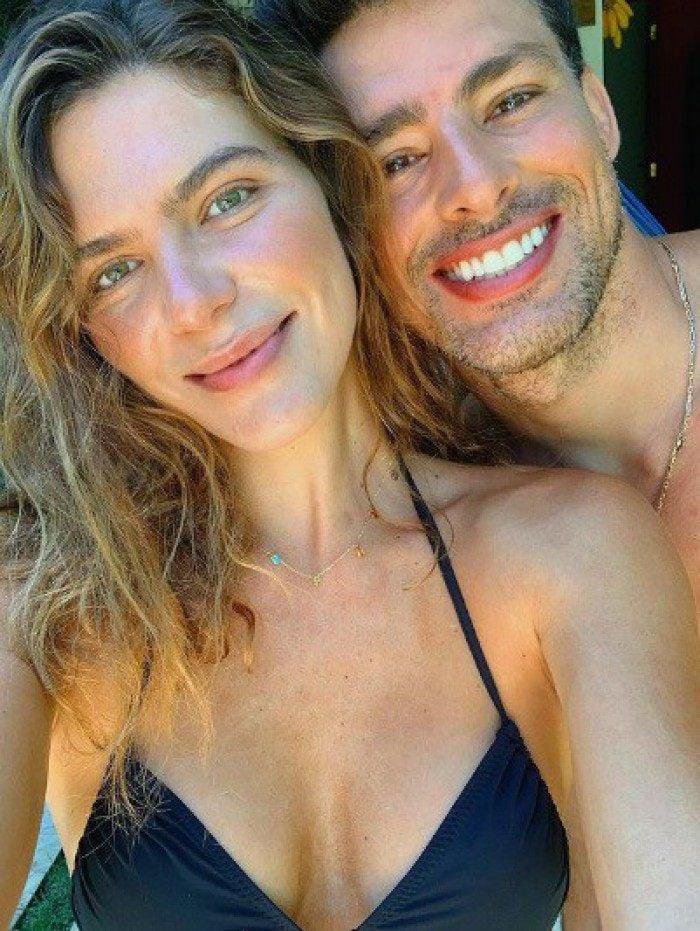 Mariana Goldfarb faz declaração apaixonada a Cauã Reymond