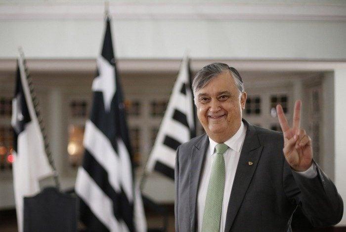 Durcesio Mello é o presidente do Botafogo