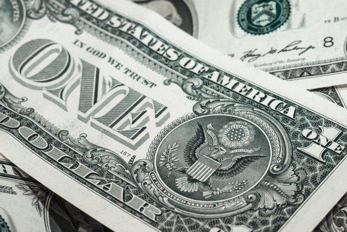 Dólar fechou a R$ 5,26 nesta segunda-feira
