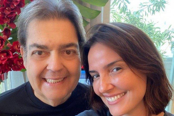 Faustão e a mulher, Lu Cardoso: 'Em casa'