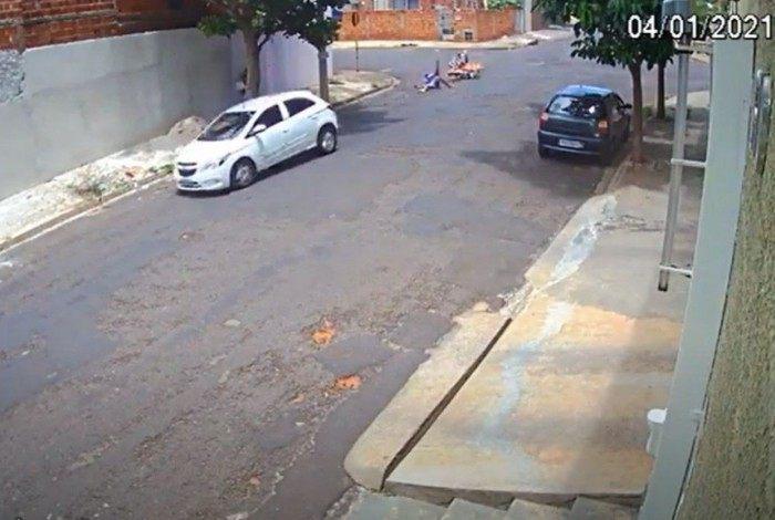 Acidente aconteceu no bairro Umuarama, na cidade de Araçatuba (SP)