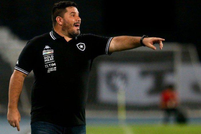 Se o Botafogo de Eduardo Barroca perder o clássico de hoje à noite, o rebaixamento à Série B será praticamente inevitável