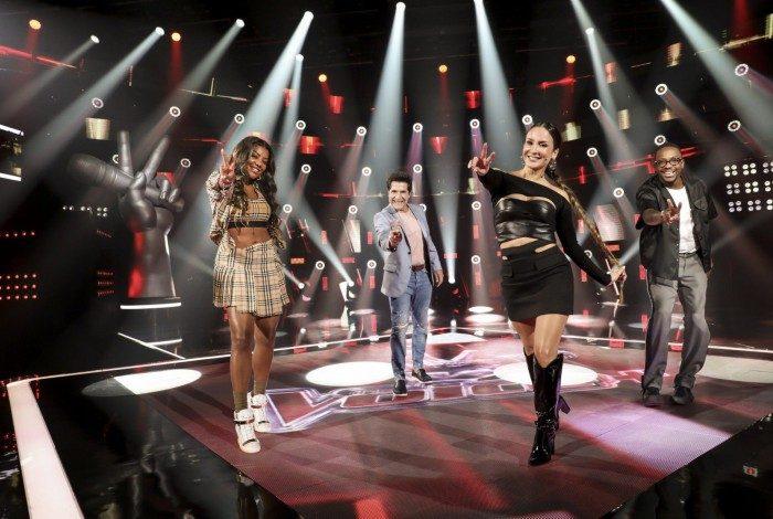 Claudia Leitte, Daniel, Ludmilla e Mumuzinho (E), e a cantora na poltrona de jurada (D)