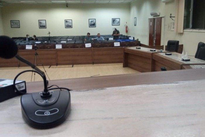 Polêmica lei que cria cargos na Câmara terá veto do prefeito, que, a julgar pelo que diz o presidente, não será derrubado no plenário