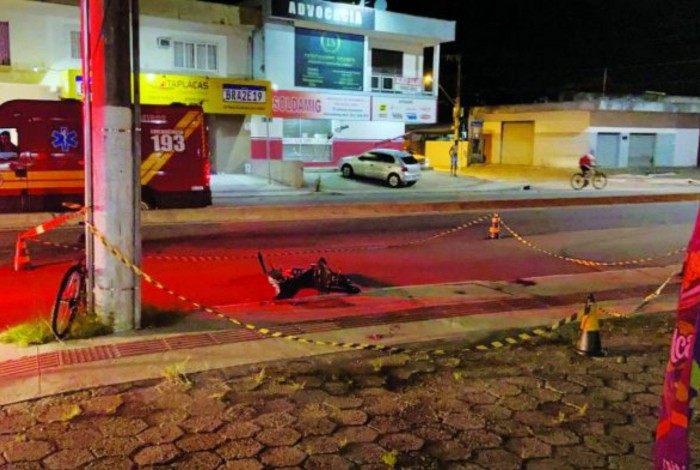 Acidente aconteceu na Rua Alfredo Eicke, no bairro Barra do Rio