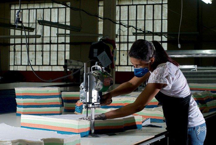 Setor de confecções liderou o processo de contratações em novembro