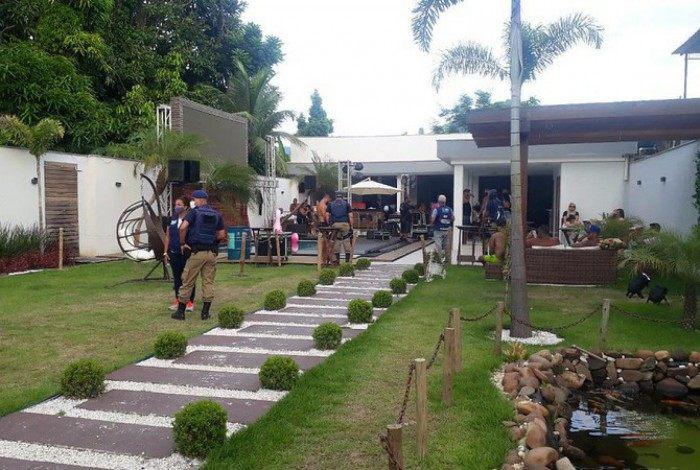 Agentes da Prefeitura interditam festa clandestina em Campo Grande