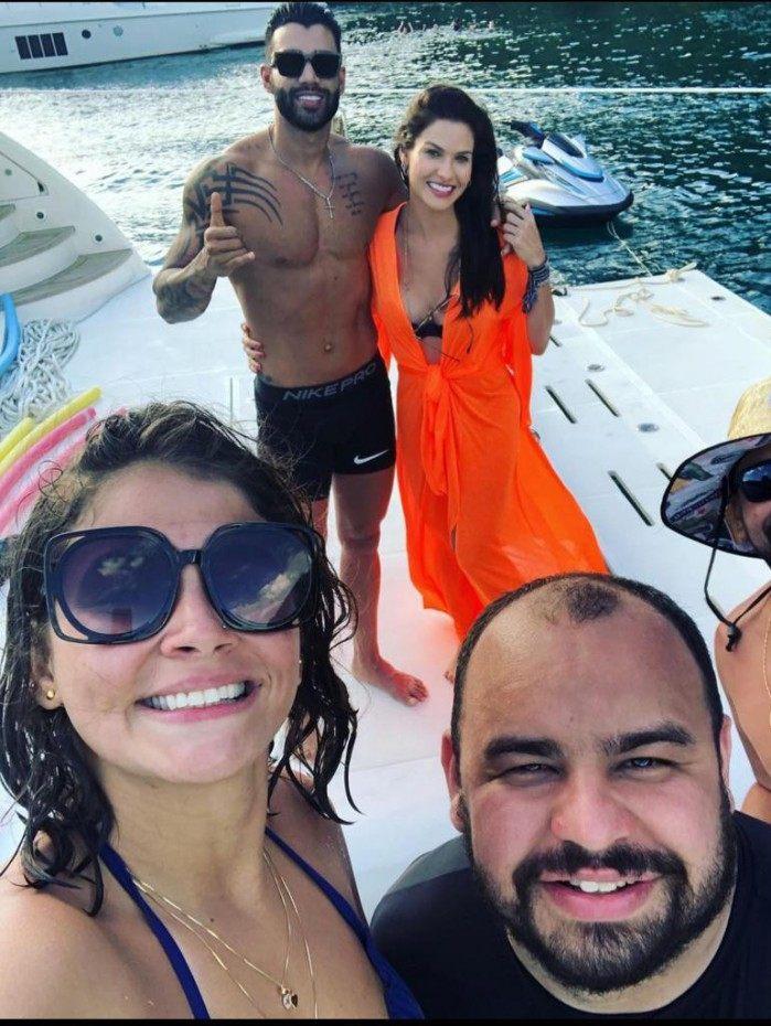 Andressa Suita e Gusttavo Lima juntos em passeio de barco