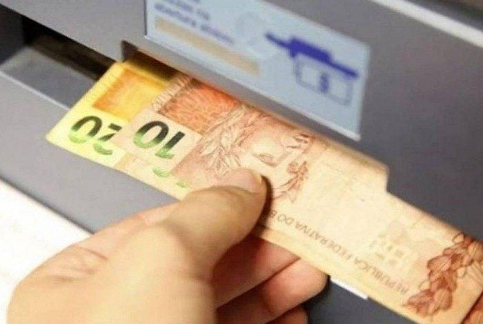 O abono salarial pode ser sacado até o dia 30 de junho deste ano