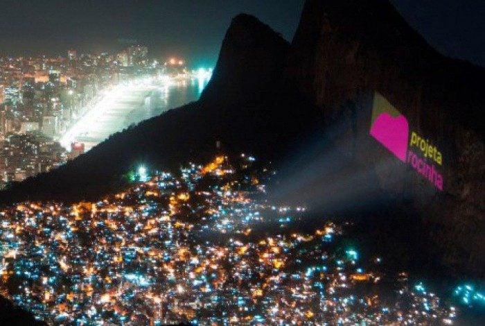 Projeção é feita no lado de São Conrado do Morro Dois Irmãos