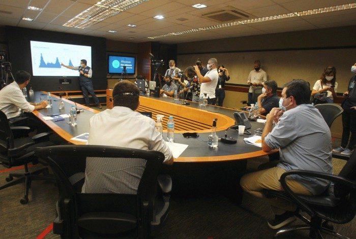 Prefeito Eduardo Paes participa da divulgação do terceiro Boletim Epidemiológico da Covid-19,no Centro de Operações Rio, na Cidade Nova.